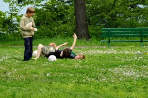 spelen in gras