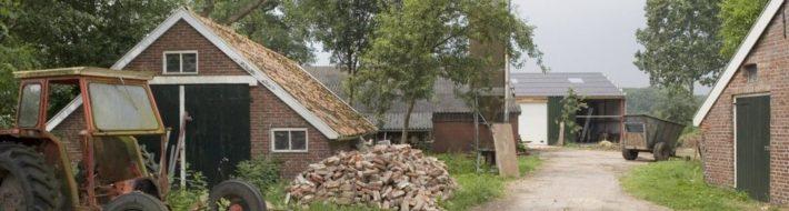 1024px-Oprit_erf_van_boerderijcomplex_zicht_op_belendingen_-_Weende_-_20399551_-_RCE